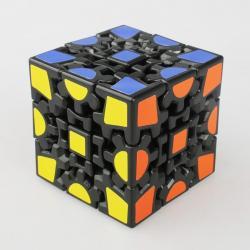 Si buscas China Cube Gear Cube 3x3 V1 Black puedes comprarlo con MCKTOYS está en venta al mejor precio